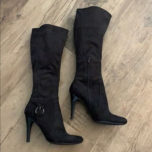 MARC FISHER black suede knee high heel boots as 8M